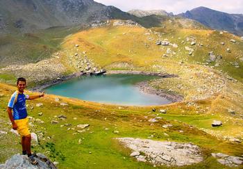 【ハート型地形22】コソボの山湖[1].jpg
