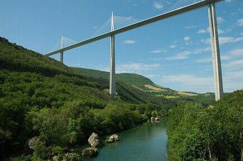 【フランス】ミヨー 橋。ALrQ6.jpg