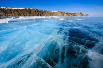 【ロシア】バイカル湖。AtCq7.jpg
