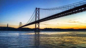 夕暮れの橋.jpg