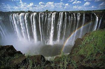 【ジンバブエザンビア】ヴィクトリアの滝 .jpg