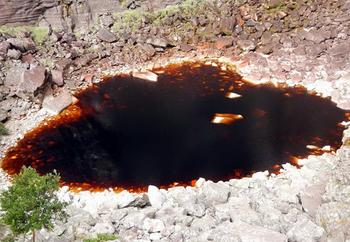 【ハート型地形50】ブラジルのカショエイロにある血のようなハート型の池4[1].jpg
