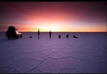 【ボリビア】ウユニ塩湖。Aq-zf.jpg